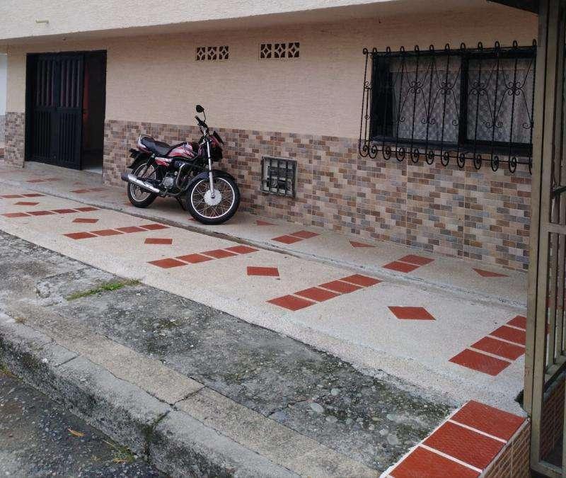 Casa En Arriendo En Armenia La Esmeralda Cod. ABBIE-406166