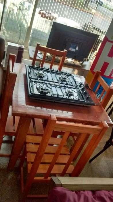 ¡¡Combo!! Mesa chica 80*80 con 4 sillas económica.