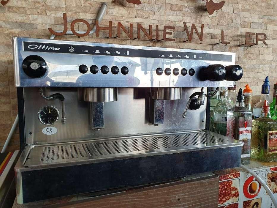 Vendo Espectacular Cafetera Como Nueva