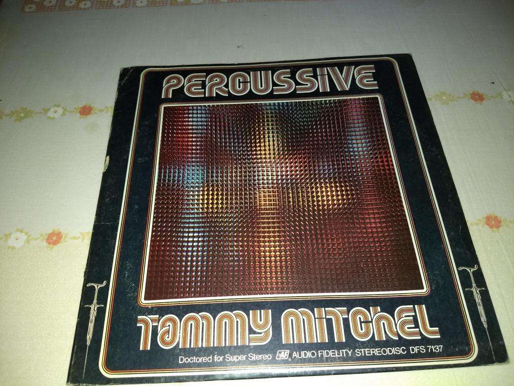 DISCO DE VINILO LP PERCUSSIVE DE TAMMY MITCHEL