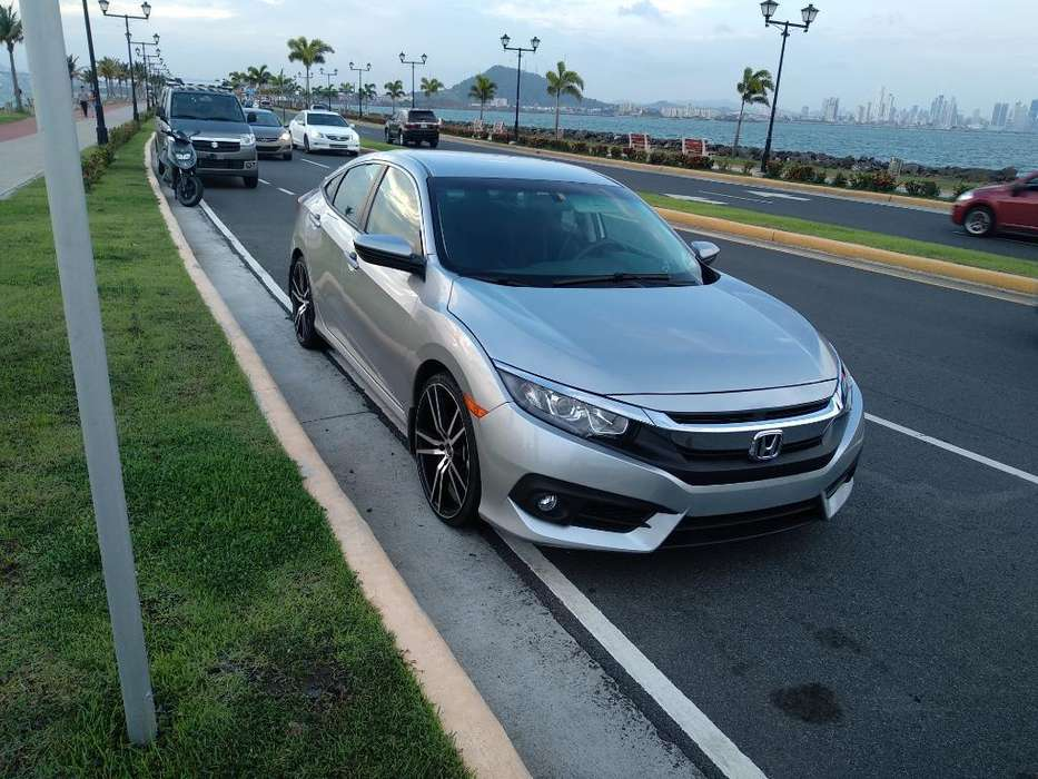 Honda Civic 2016 - 90000 km