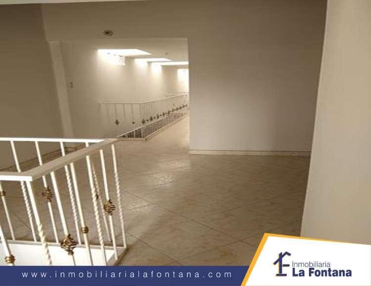 Cod: 3160 Arriendo Apartamento Segundo Piso,en el Barrio el Contento, Barrio Lleras