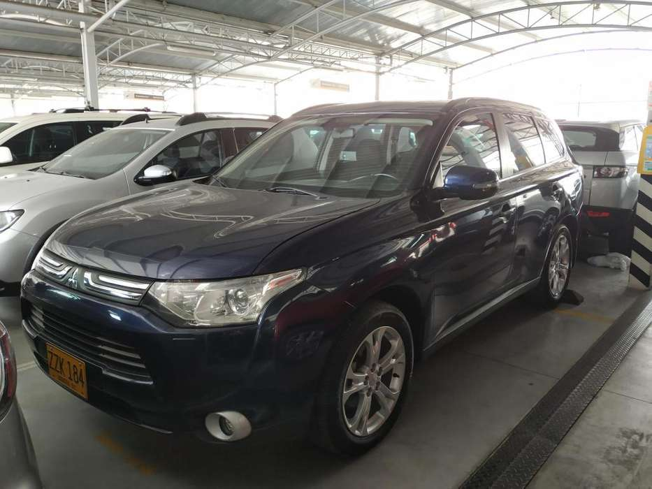 Mitsubishi Outlander 2015 - 63450 km