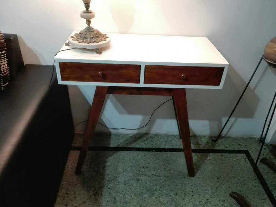 <strong>escritorio</strong> O Mesa de Arrime Impecble