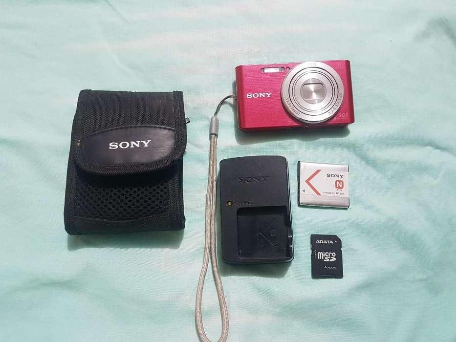 Vendo Cámara Sony de 20.1 Mpx