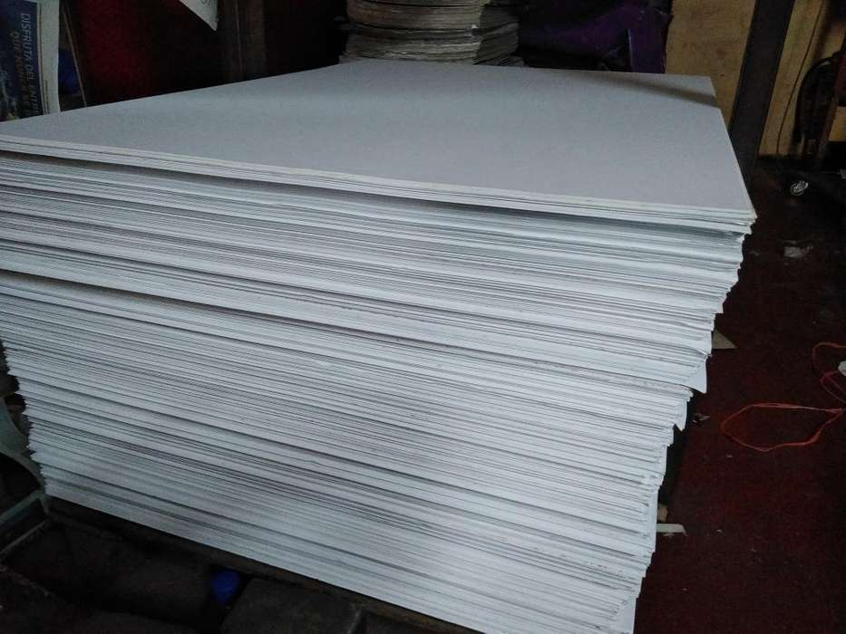 Maqueta Planchas de Carton Blanco