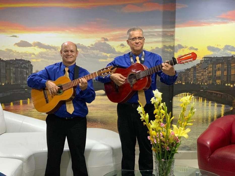AGRUPACION MUSICAL SERENATAS CON GUITARRAS 20 CANCIONES POR 180.000.LLAMAR 3105772385