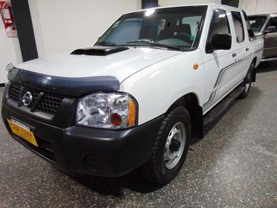 Nissan NP300 2011 - 100000 km