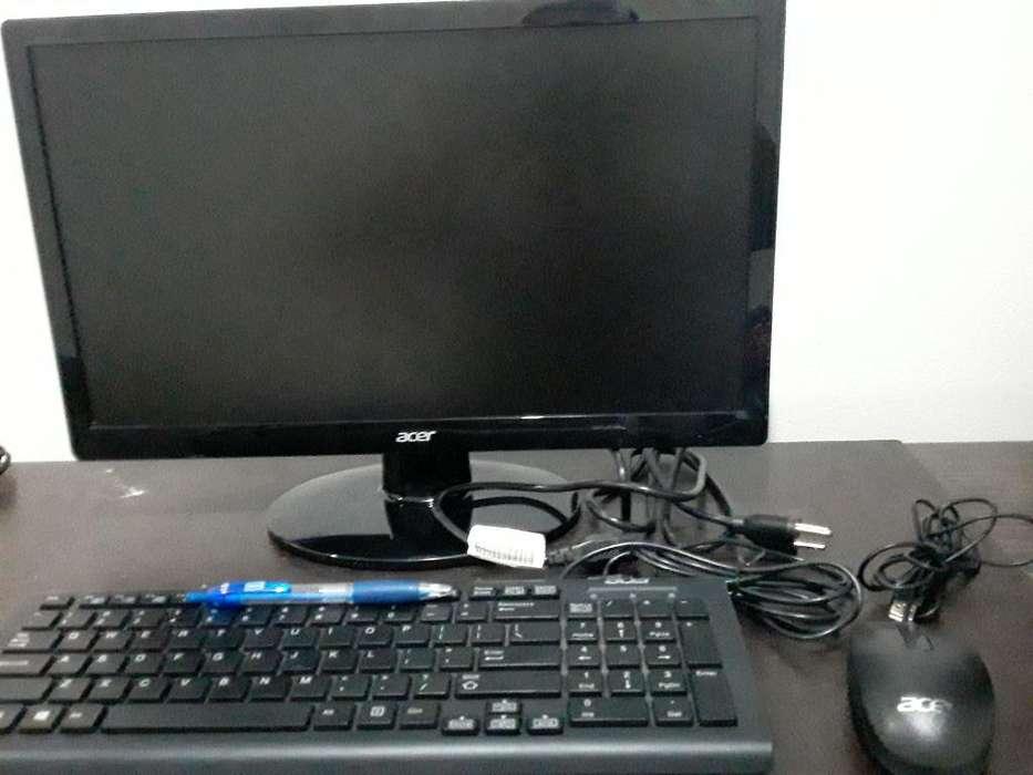 Computador de Mesa Acer