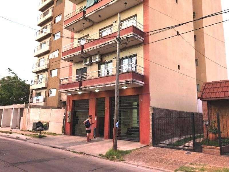 EN VENTA. DEPTO en DUPLEX 93 m2 C/ COCHERA CUBIERTA. Ed. Venezia II, Alem 2048, San Miguel