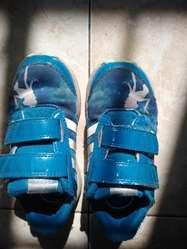 Vendo Zapatillas de Nena Adidas 26,5