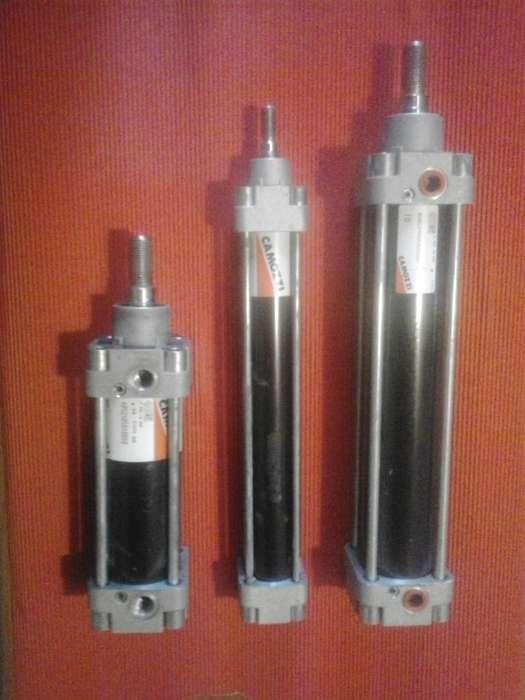 Cilindros neumáticos Camozzi lote de tres unidades