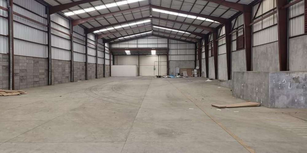 OFIBODEGA COMPLEJO INDUSTRIAL ZONA 7, ULTIMA DISPONIBLE DE 758M2!!!!!!