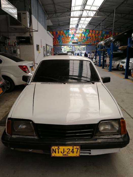 Chevrolet Monza 1987 - 200000 km