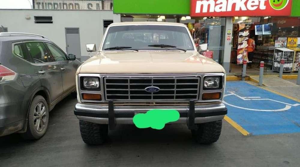 Ford Bronco 1982 - 130000 km