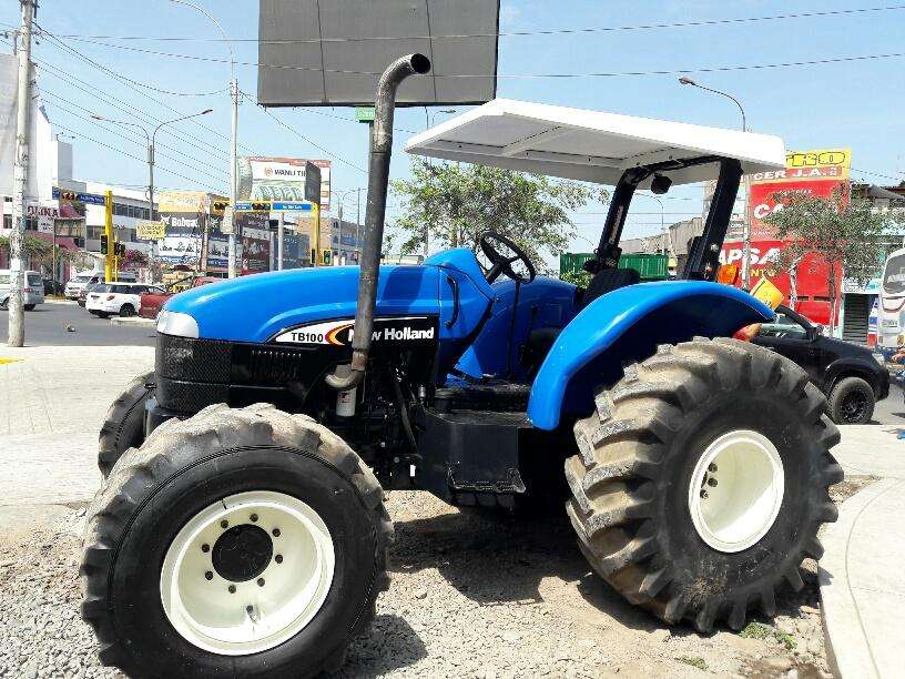 TRACTOR AGRICOLA NEW HOLLAND TB100 EN LIMA