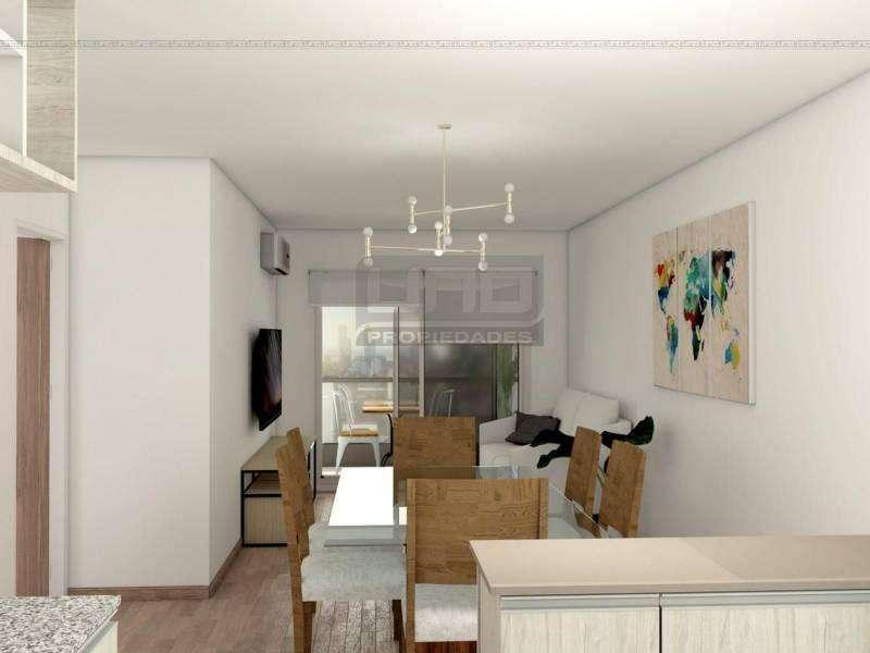 San Martin y Av. Pellegrini - Amplio Dpto de 2 Dormitorios Externo. Posibilidad cochera. Vende Uno Propiedades