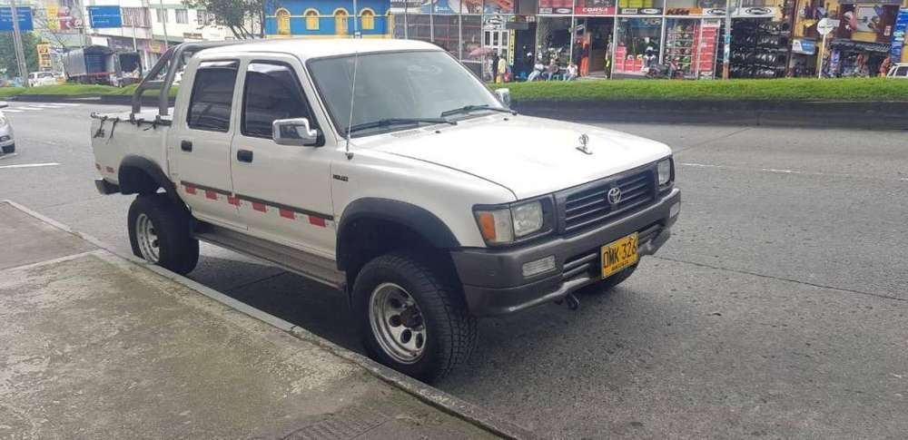 Toyota Hilux 1998 - 208000 km