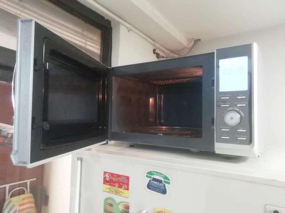 Microondas 25lt WURDEN con grill para hornear