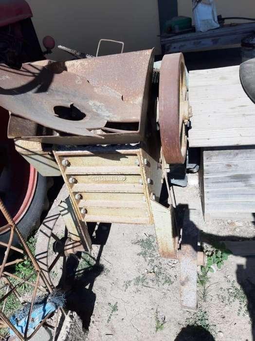 Trituradora de cascote Bounous motor Czerweny 4 HP
