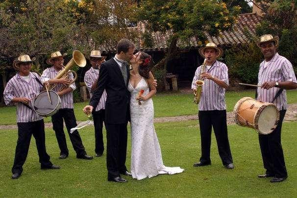 Mariachis, grupo vallenato, Banda Popular, Grupo Llanero y papayera