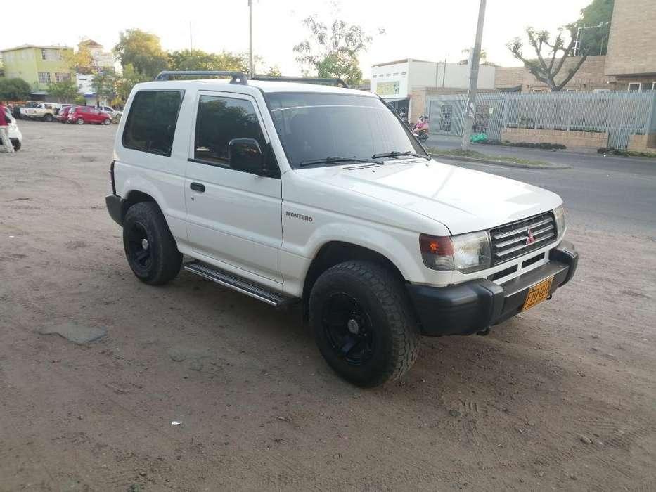 Mitsubishi Montero 1998 - 303156 km