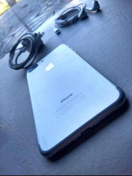 iPhone 7 Plus Silver256Gb con accesorios