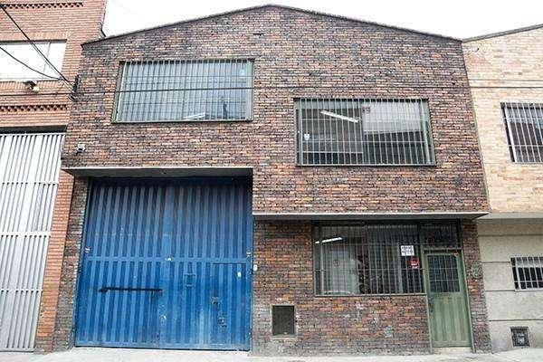 Excelente bodega industrial, ubicada en Las Ferias a 2 cuadras de la calle 80. 56737