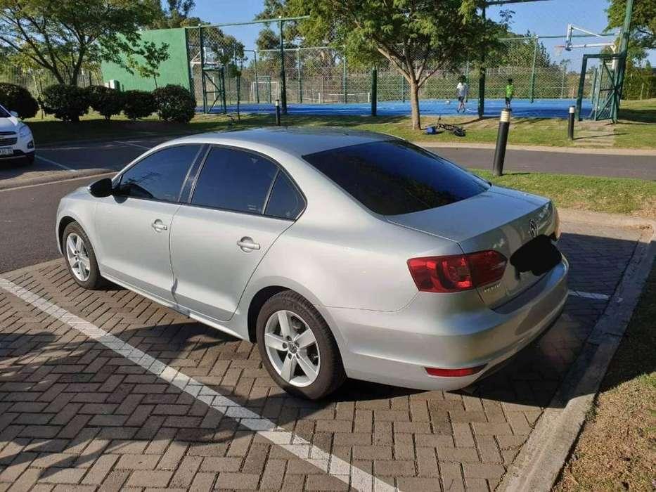 Volkswagen Vento 2014 - 90000 km