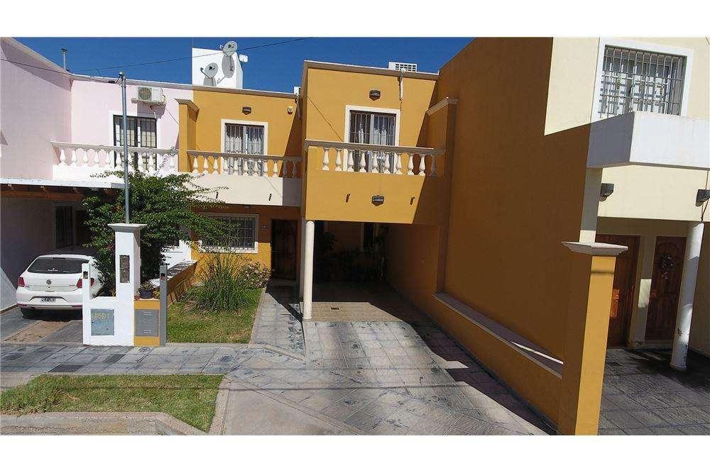 Duplex tipo casa en venta barrio semi privado