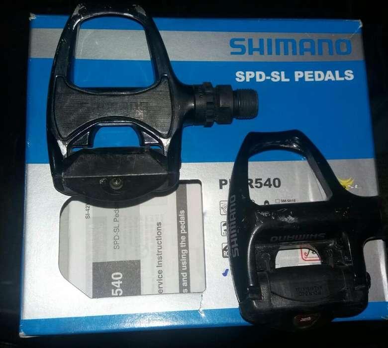 Pedales Shimano en Aluminio