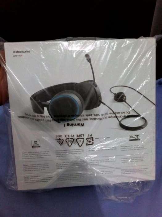 Diadema audifono SteelSeries Artic 5 RGB