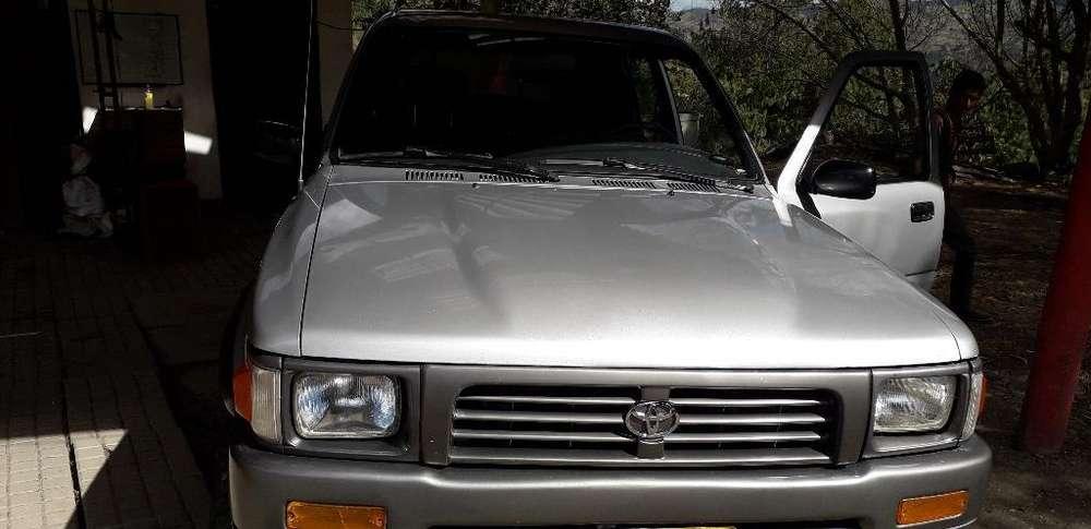 Toyota Hilux 1996 - 186000 km