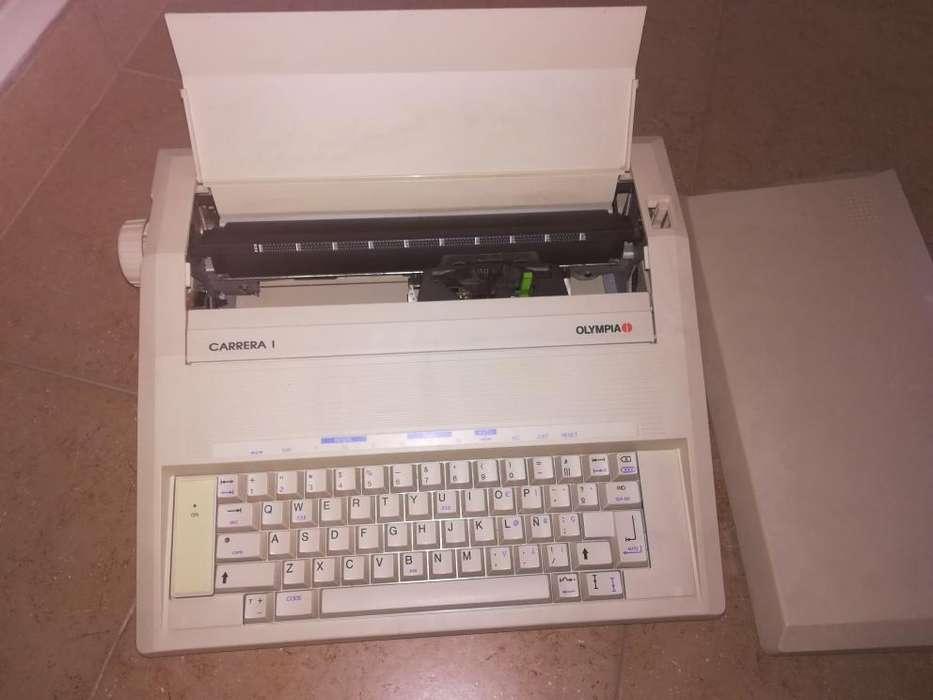 Máquina de escribir eléctrica Impecable!!!