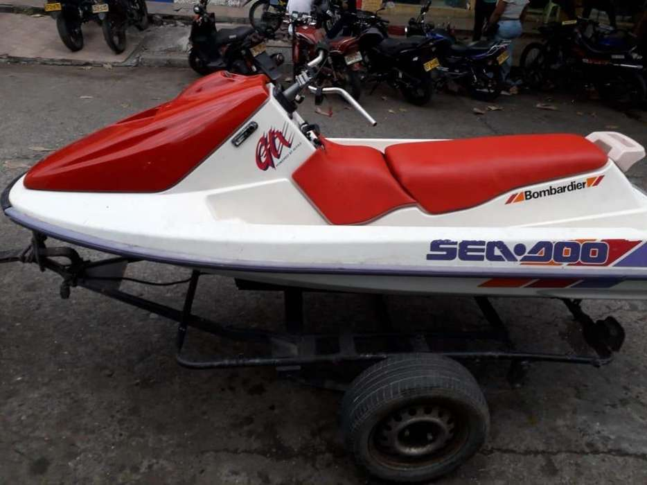 Jetski (Moto de Agua Moto Acuatica)