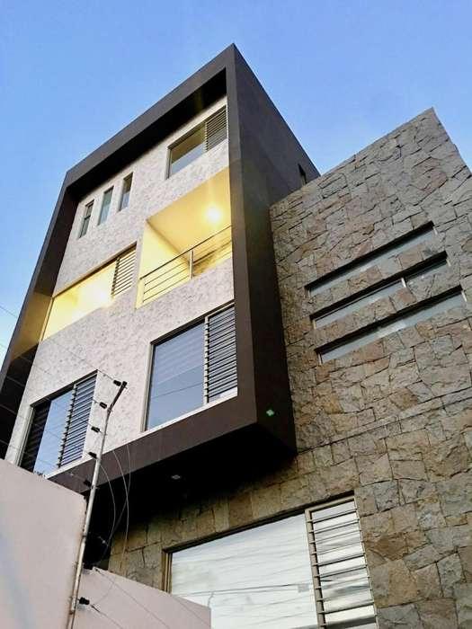 Precio increíble! Departamento Penthouse con terrazas y vistas