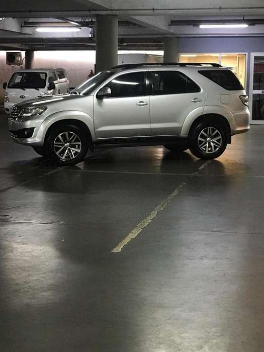 Toyota Hilux SW4 2012 - 178000 km