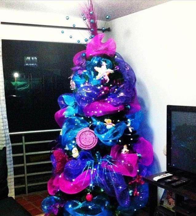 Arbol de Navidad con Decoracion