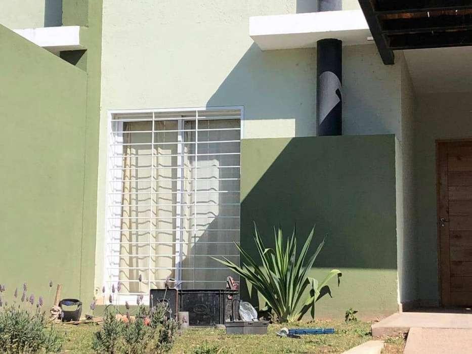 Casa en alquiler de 2 dormitorios c/ cochera en La Catalina Urbanización Residencial