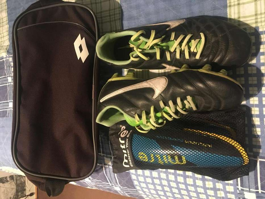 Pack de botines Nike tiempo 42 canilleras con abrojo y estuche