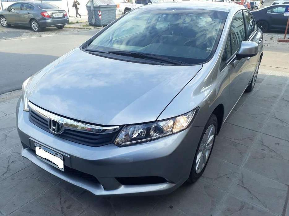Honda Civic 2014 - 150000 km