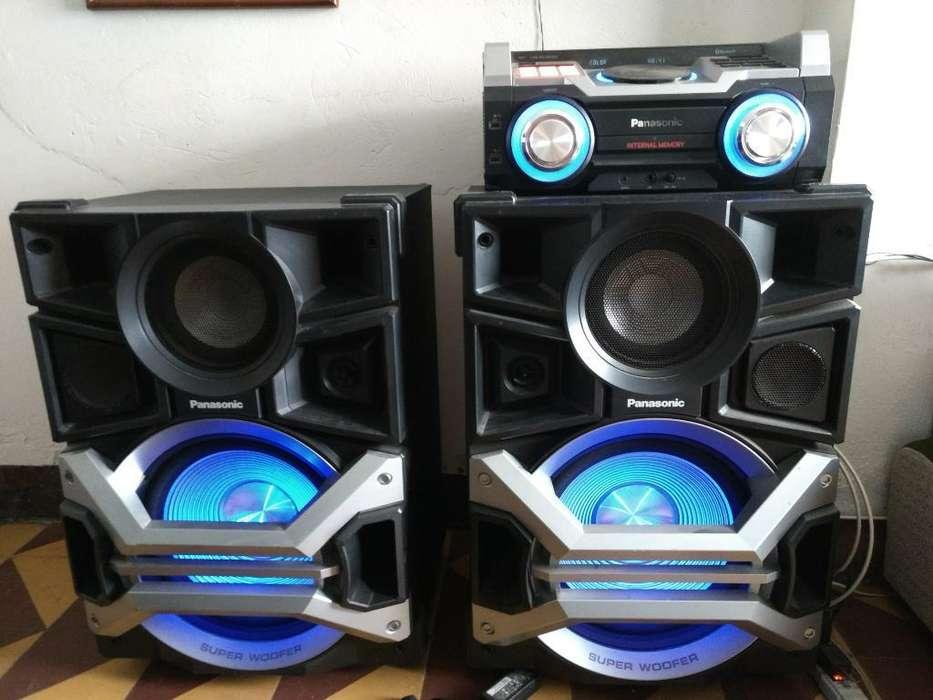 Vendo Equipo de Sonido Panasonic de 330w