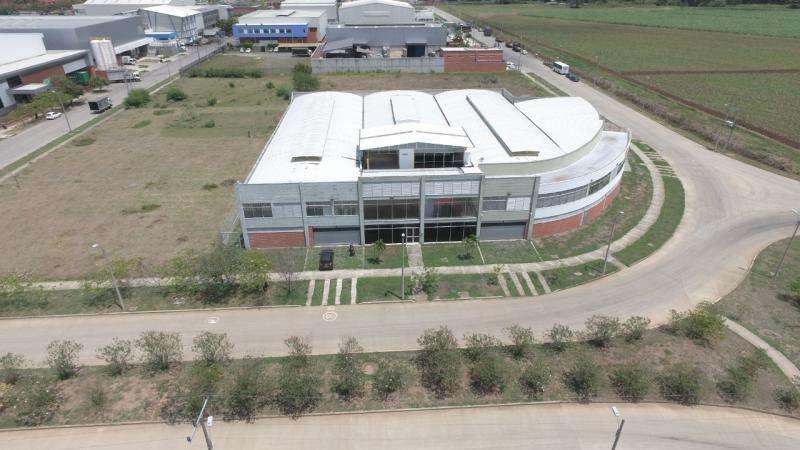 Cod. VBKWC-10402279 Bodega En Venta En Yumbo Complejo Industrial Y Comercial.