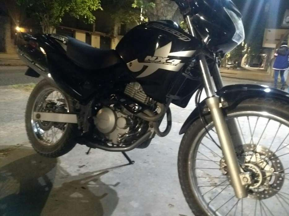 Vendo O Permuto <strong>honda</strong> Falcon 400 Mod2012