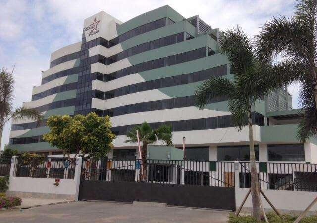 Vendo <strong>oficina</strong> en RIVER PLAZA de 33mt Mas Parqueo SAMBORONDON GUAYAS