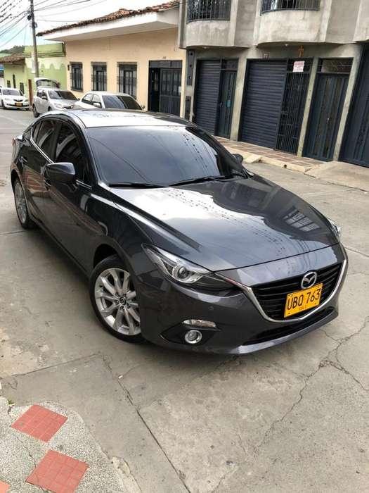Mazda Mazda 3 2015 - 28000 km