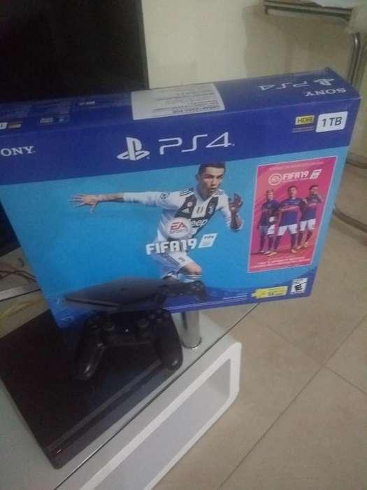 Consola Sony Play Station 4 Slim 1 Tb