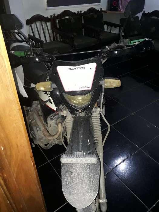 Moto Daytona Cc200