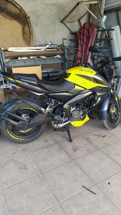 Rouser 200