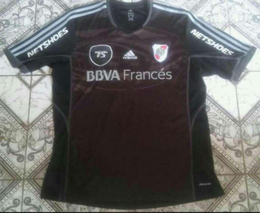 Camiseta Adidas River